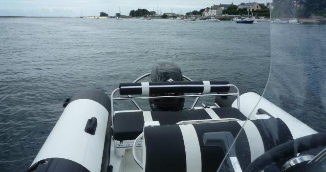 Noleggio yacht a Étel – Pro Marine MANTA su SamBoat