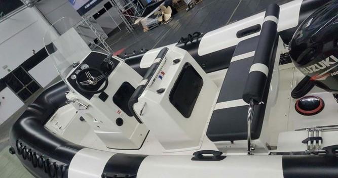Noleggio Gommone Pro Marine con patente nautica