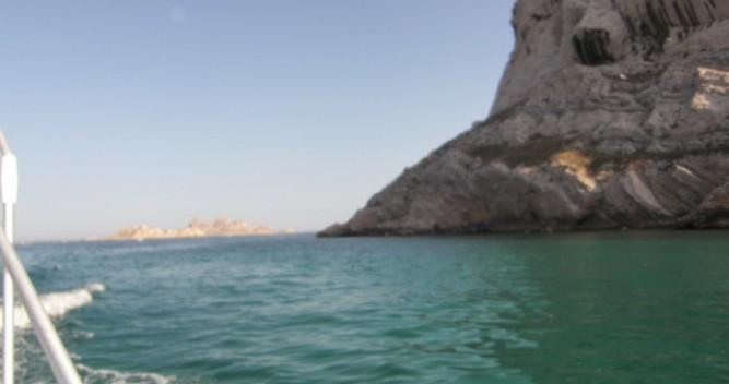 Barca a motore a noleggio a L'Estaque al miglior prezzo