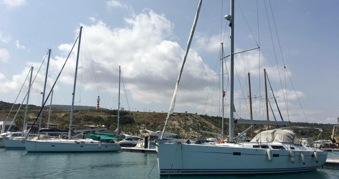 Barca a vela a noleggio a Nicosia al miglior prezzo