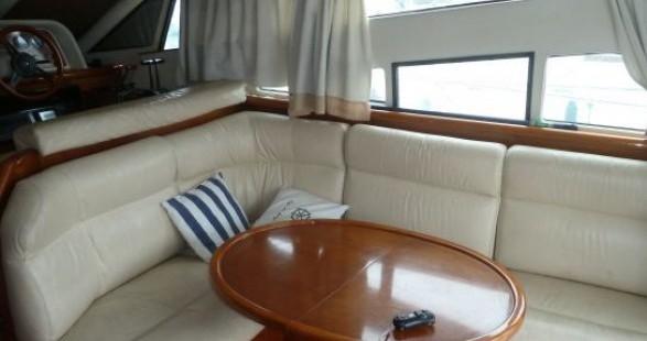 Noleggiare una Arcoa 1107 Yacht flybrige a Les Roches-de-Condrieu