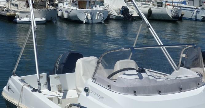 Jeanneau Cap Camarat 5.5 CC Serie 2 tra privati e professionisti a Saint-Cyprien
