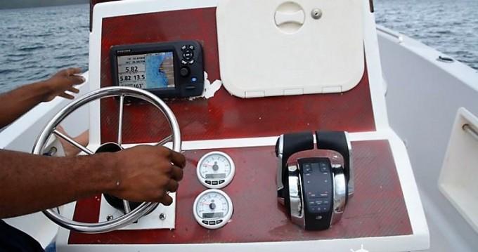 Noleggio Barca a motore con o senza skipper Maran-30 a Fort-de-France