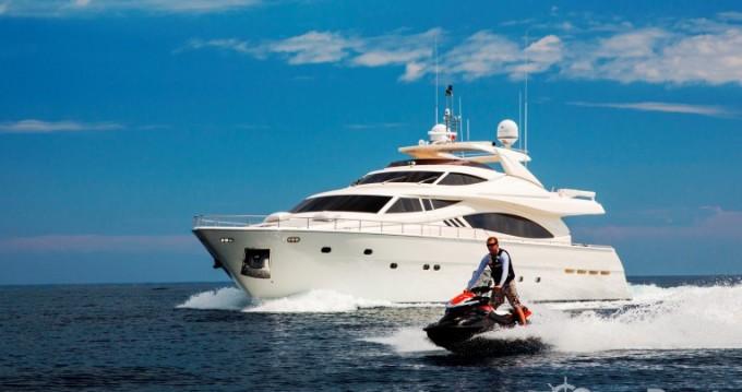 Noleggio Yacht con o senza skipper Ferretti a Saint-Tropez
