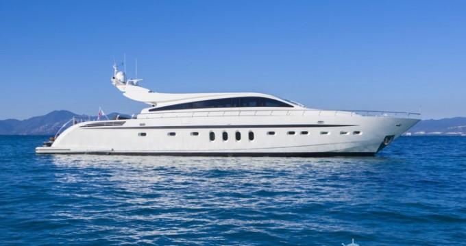 Noleggio Yacht Arno Leopard con patente nautica