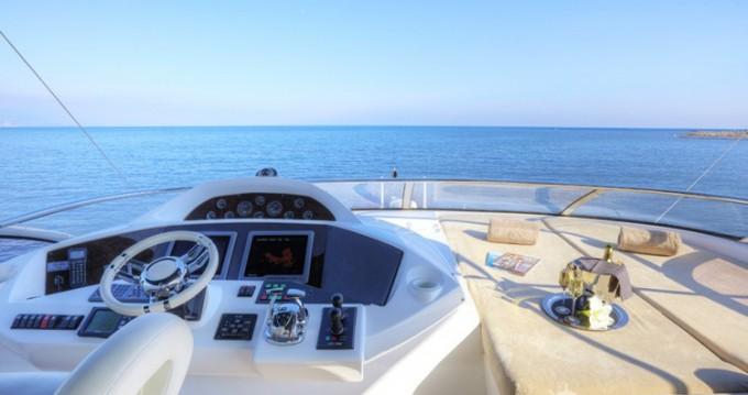 Noleggio Yacht Sunseeker con patente nautica