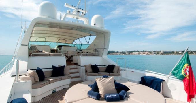 Noleggio Yacht a Saint-Tropez – Mangusta 32