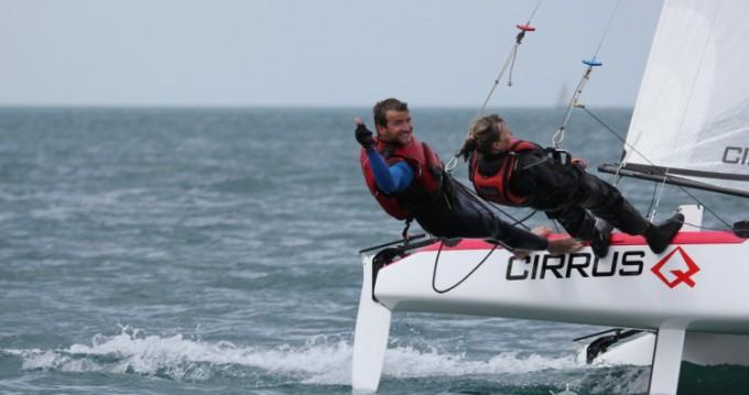 Catamaran-F16 Cirrus Q tra privati e professionisti a Saint-Malo