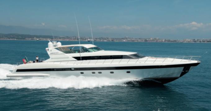Noleggio barche Mangusta 32 a Saint-Tropez su Samboat