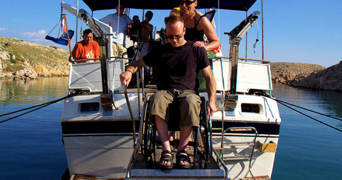 Noleggiare una Trawler Wheelchair accessible boat a Zara