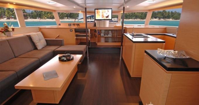 Noleggio Catamarano Fountaine Pajot con patente nautica