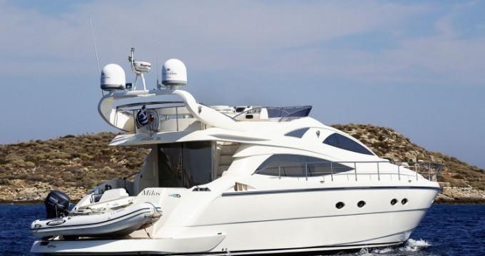 Yacht a noleggio a Atene al miglior prezzo