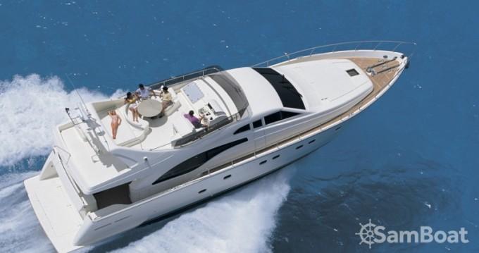 Noleggiare una Ferretti yacht a Atene