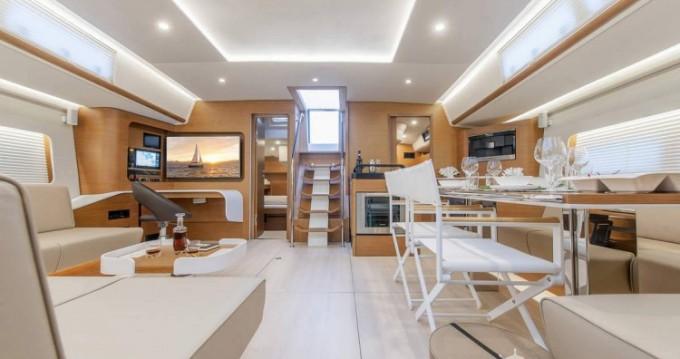 Hanse yacht tra privati e professionisti a Atene