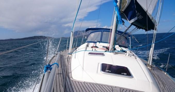 Barca a vela a noleggio a Carqueiranne al miglior prezzo