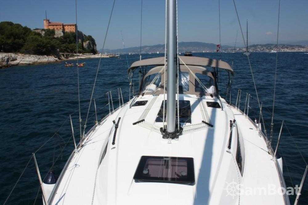 Noleggio yacht Vieux port - Bavaria Cruiser 37 su SamBoat