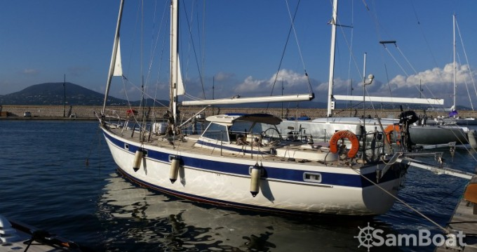 Barca a vela a noleggio a Villeneuve-Loubet al miglior prezzo