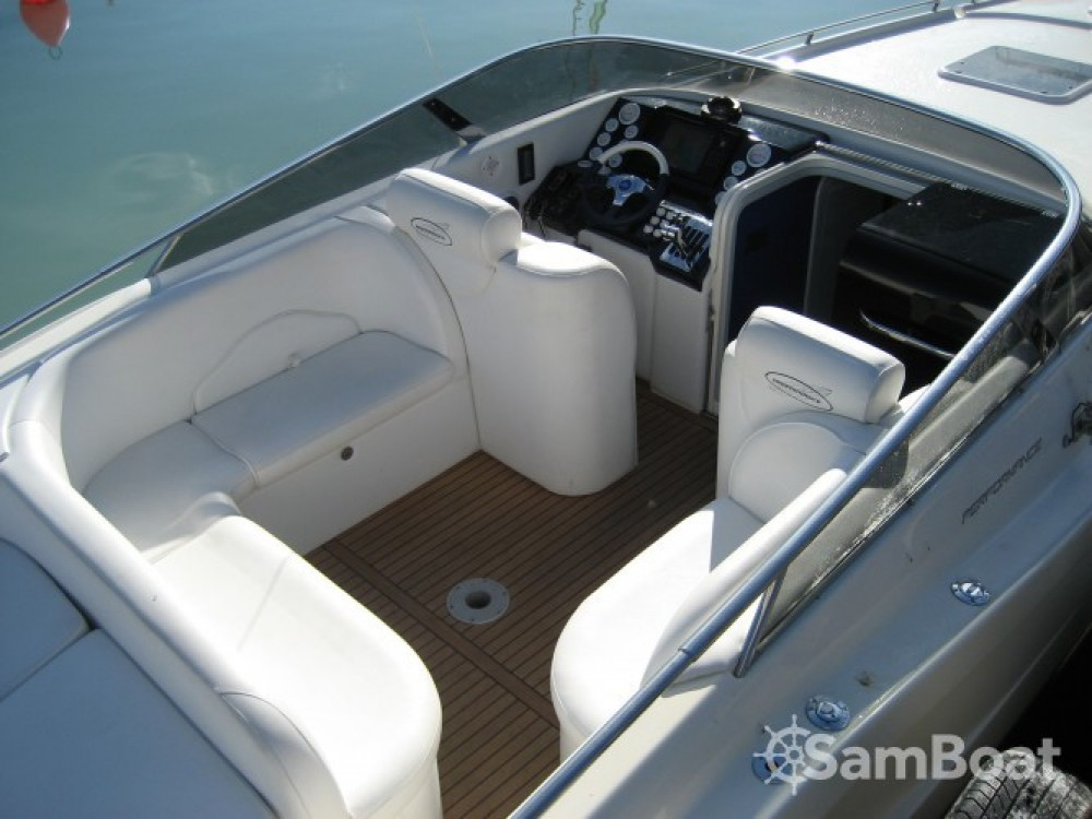 Noleggio Barca a motore con o senza skipper Performance Saint-Tropez
