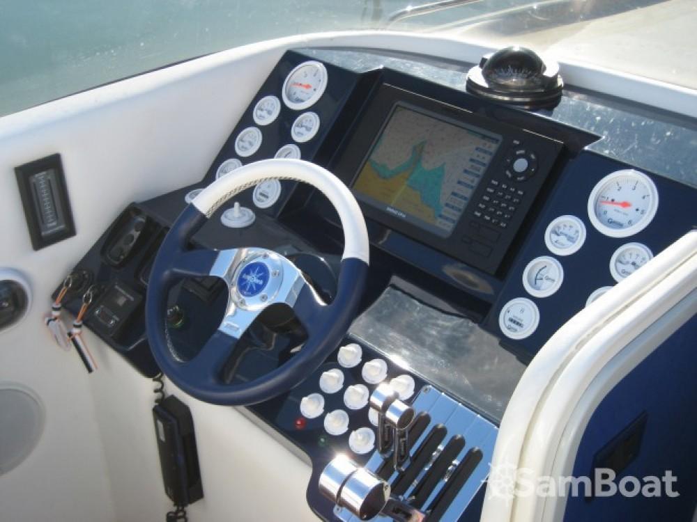 Barca a motore a noleggio Saint-Tropez al miglior prezzo