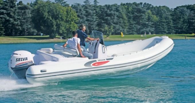 Noleggio Gommone con o senza skipper Selva a Saint-Raphaël