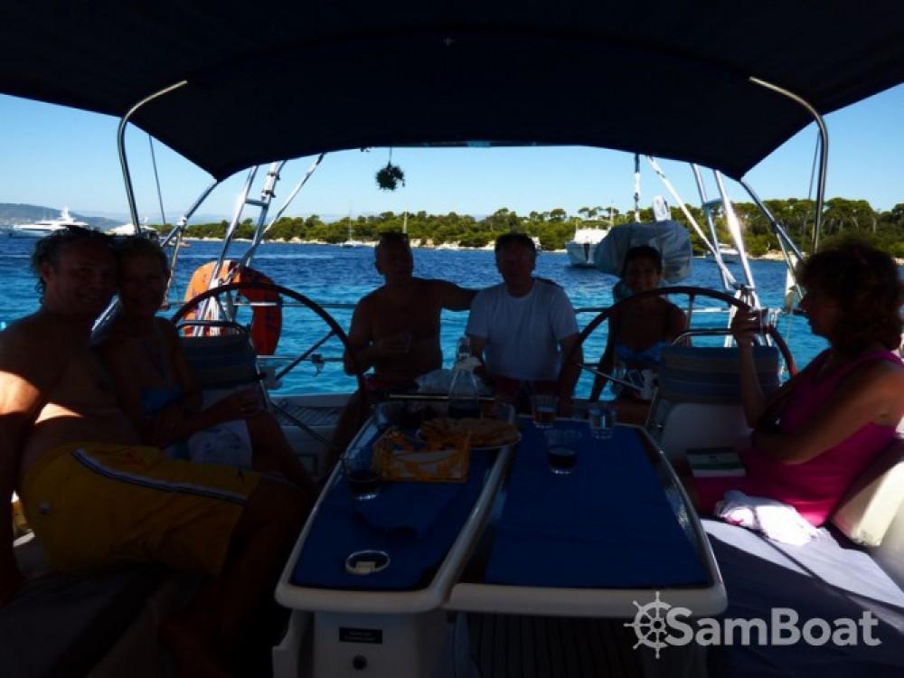 Noleggiare un'Bénéteau Oceanis 45 Golfe-Juan