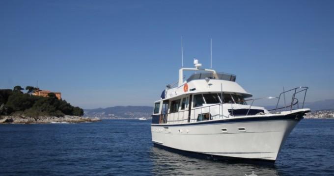 Hatteras M/Y 56' tra privati e professionisti a Antibes