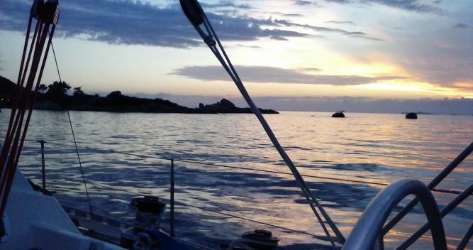Barca a vela a noleggio a Hyères al miglior prezzo