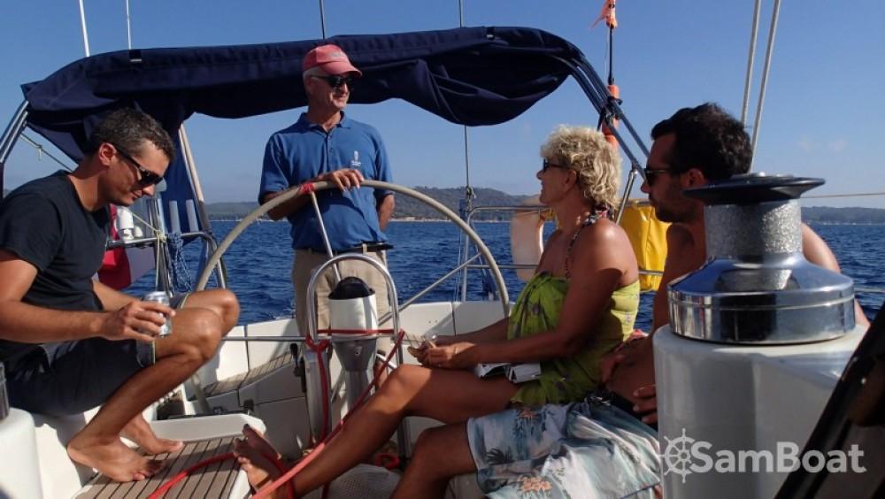Noleggio Barca a vela con o senza skipper Bénéteau Hyères