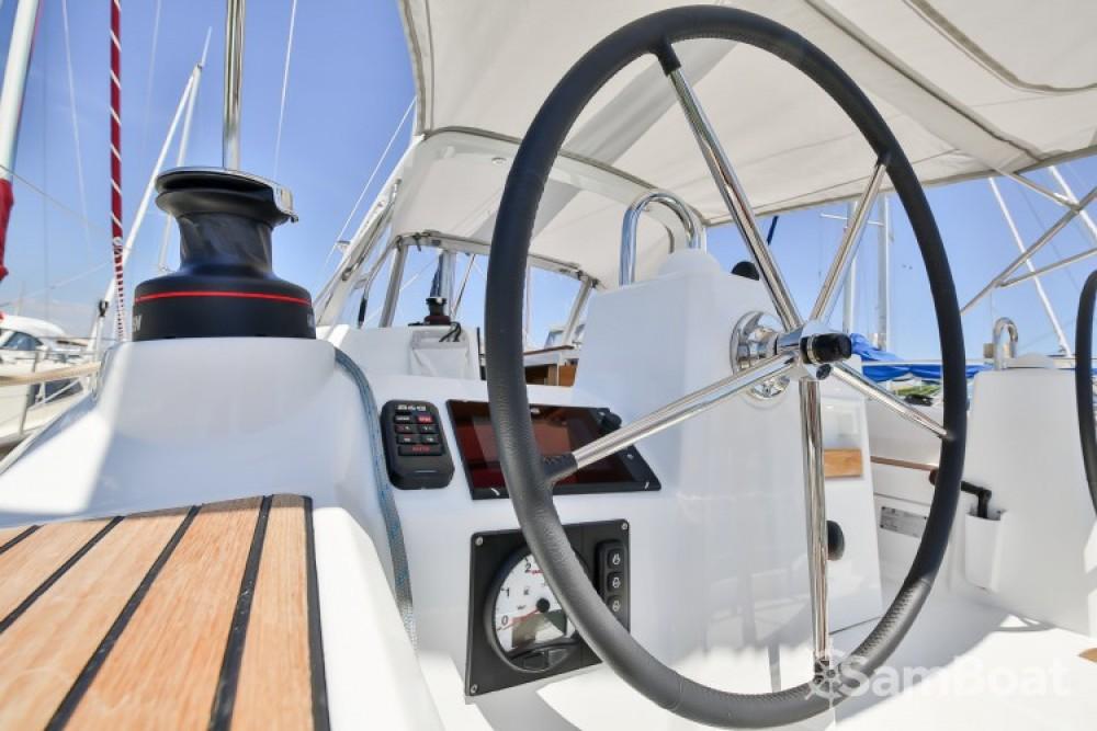 Noleggio barche Bénéteau Oceanis 35 Les Sables-d'Olonne su Samboat