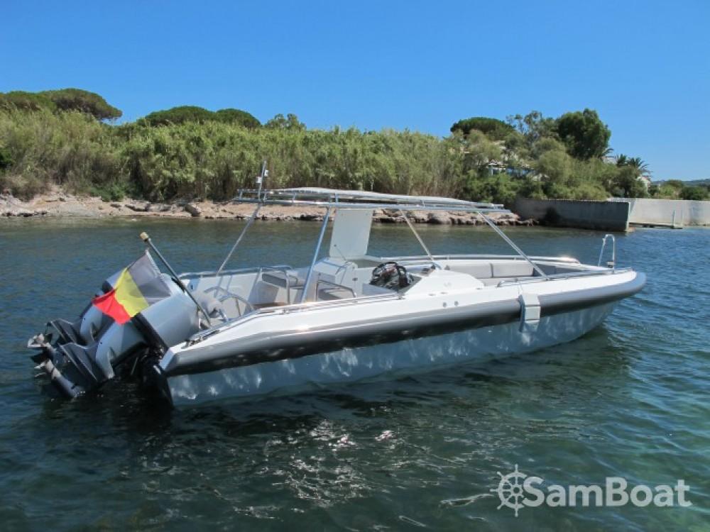 Barca a motore a noleggio Grimaud al miglior prezzo