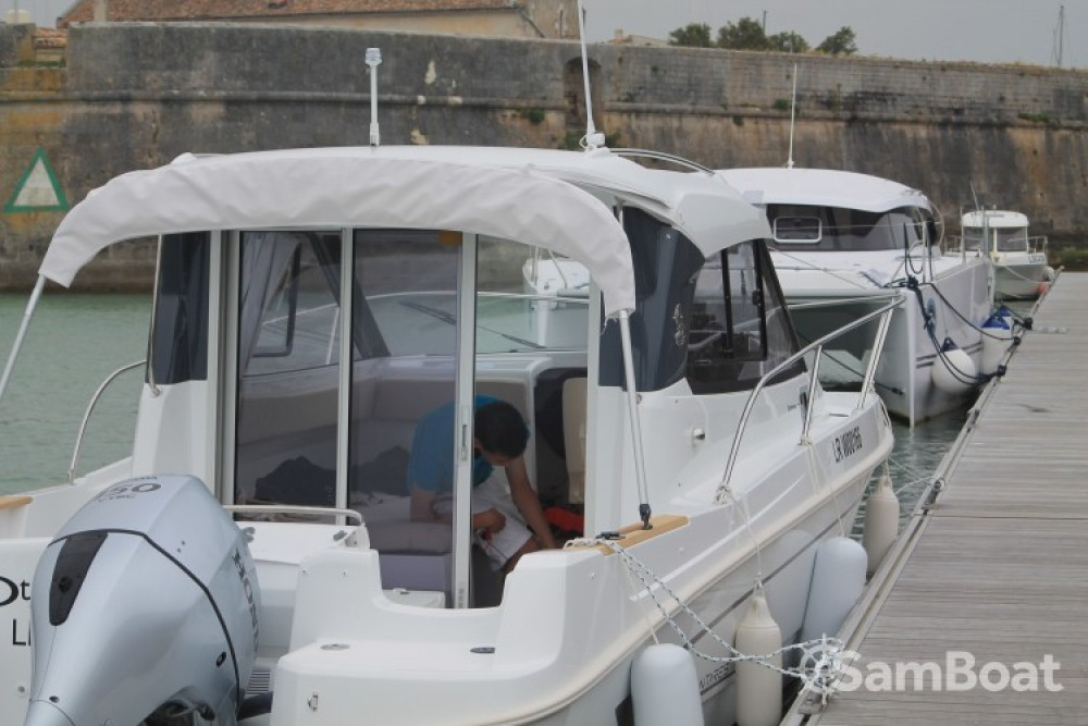 Noleggio barche  economico Antares 780 HB