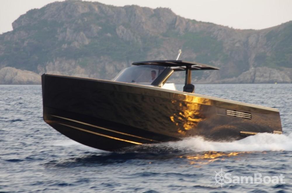 Noleggio Barca a motore con o senza skipper Fjord Cogolin