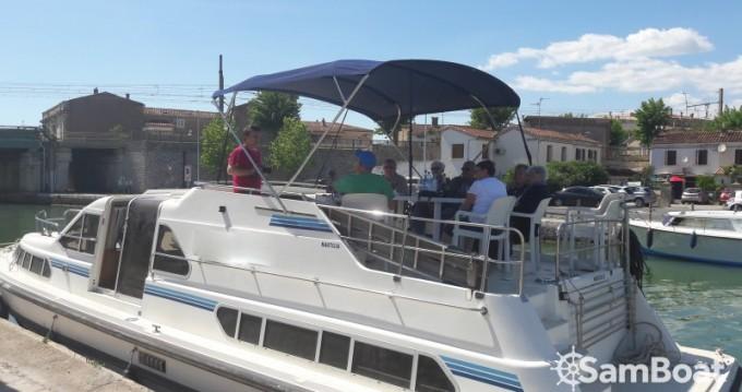 Houseboat a noleggio a Sète al miglior prezzo