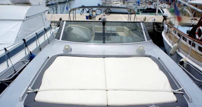 Noleggio Barca a motore con o senza skipper Solare a Cannes