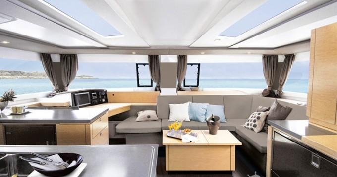 Catamarano a noleggio a Mandelieu-la-Napoule al miglior prezzo