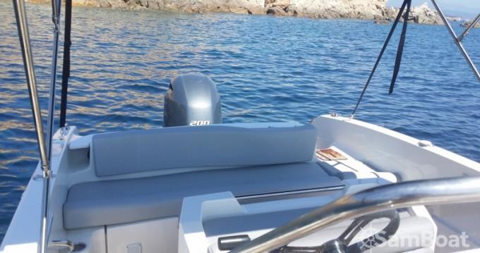 Pacific Craft Open 670 tra privati e professionisti a Golfe de Santa Giulia