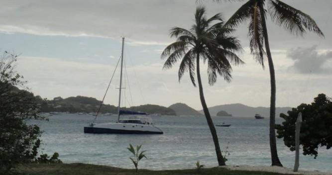 Noleggiare una Multicap-Caraibes Punch 12.50 a La Trinité-sur-Mer