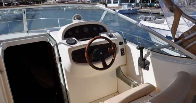 Noleggio barche Cavalaire-sur-Mer economico Leader 805