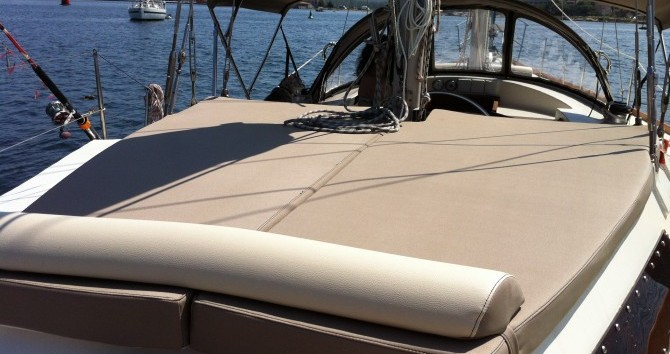 Noleggio Barca a vela Alpha-Yatch con patente nautica