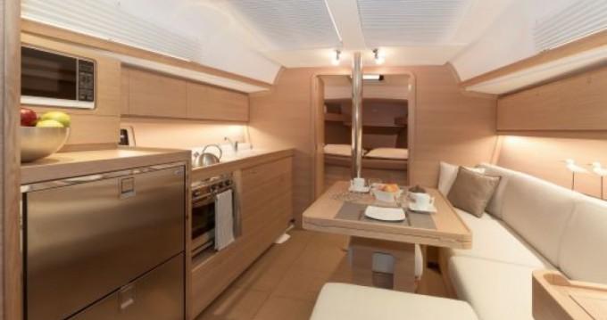 Noleggio Barca a vela a Tonnarella – Dufour Dufour 382 Grand Large