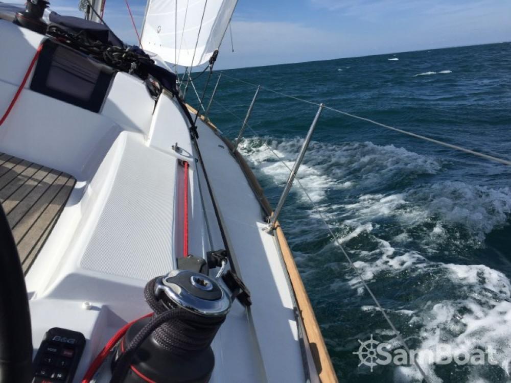 Noleggio Barca a vela con o senza skipper Jeanneau Saint-Cast-le-Guildo