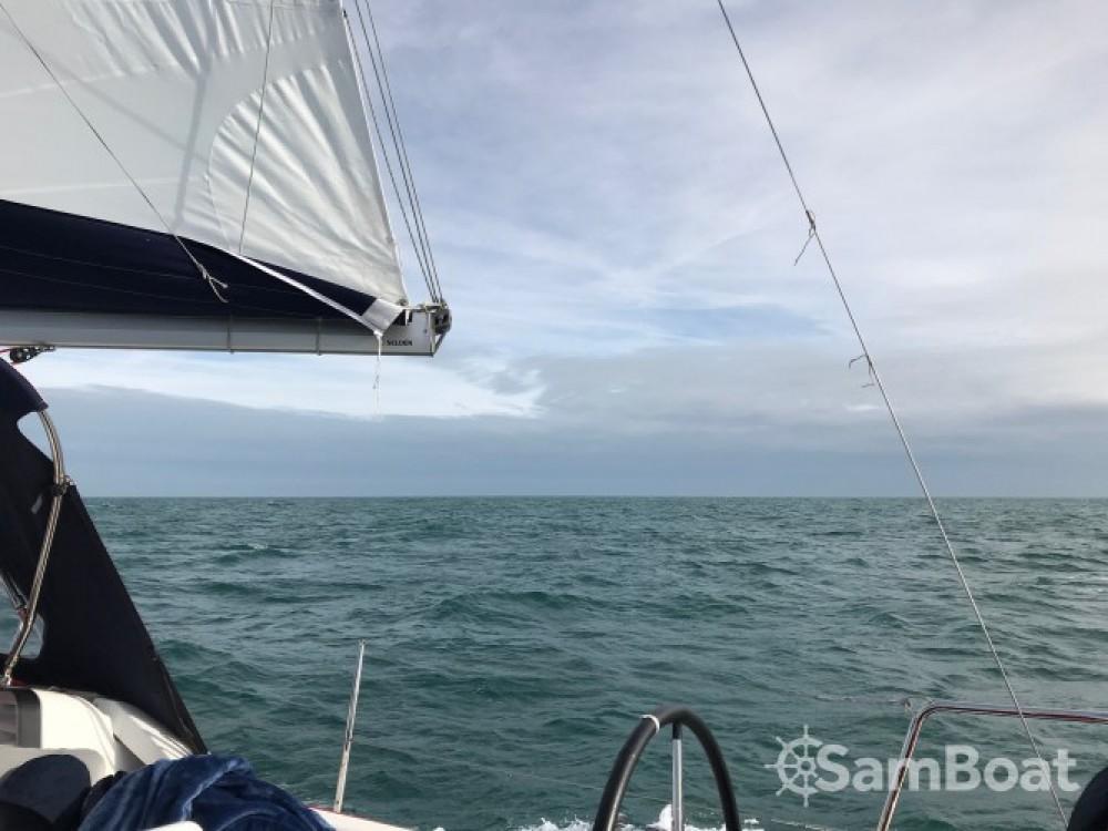 Noleggio barche Saint-Cast-le-Guildo economico Sun Odyssey 389