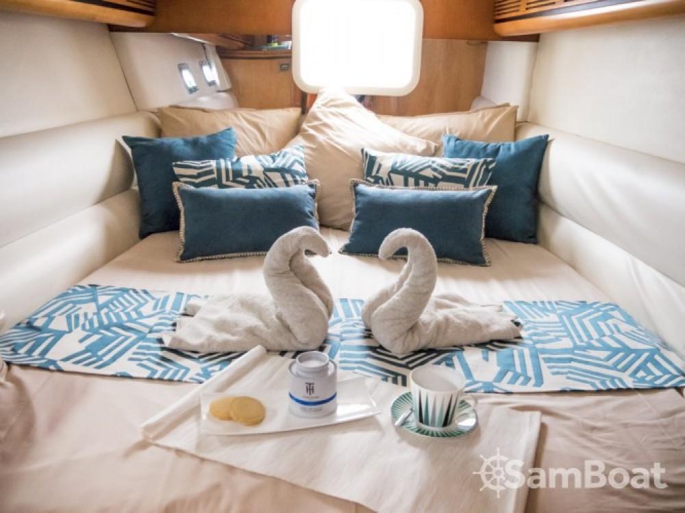 Catamarano a noleggio Eden Island al miglior prezzo