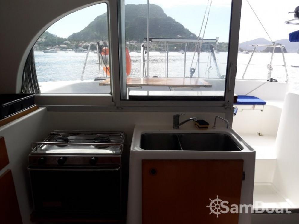 Catamarano a noleggio Terre-de-Haut al miglior prezzo