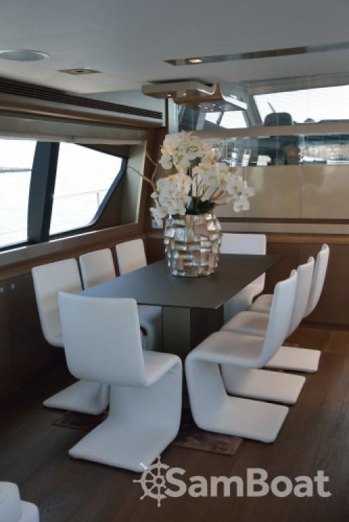 "Noleggio yacht Cannes - Ferretti 24.71 metres (81' 1"") su SamBoat"