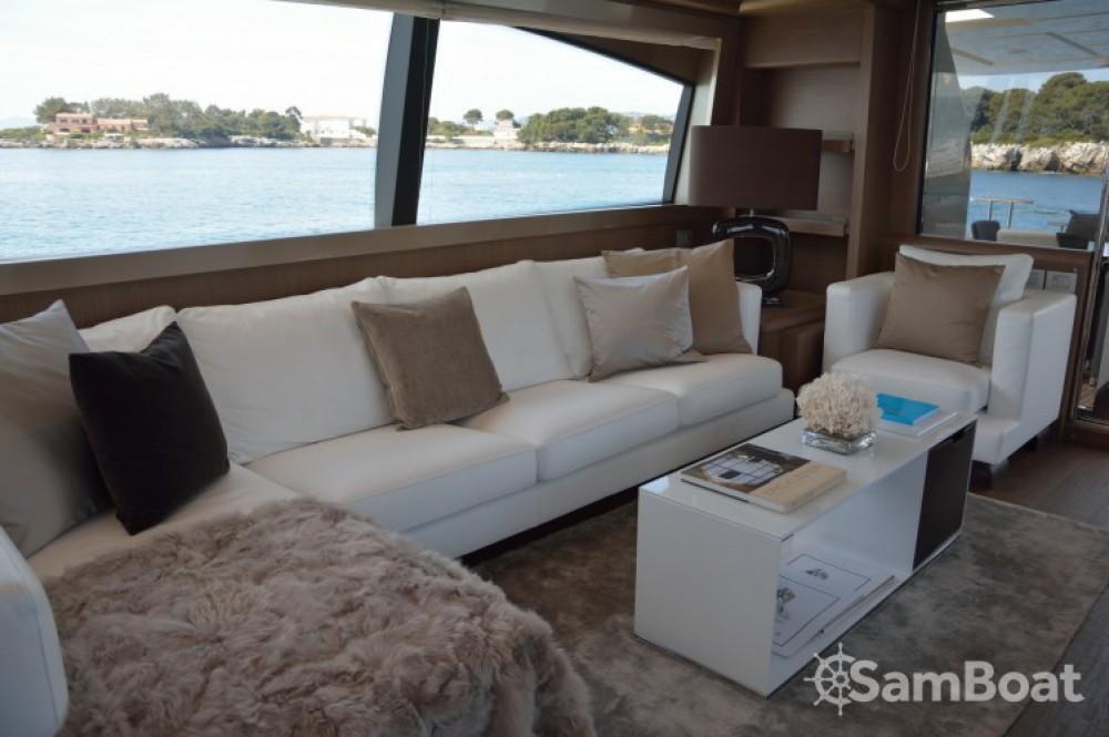 "noleggio Yacht Cannes - Ferretti 24.71 metres (81' 1"")"