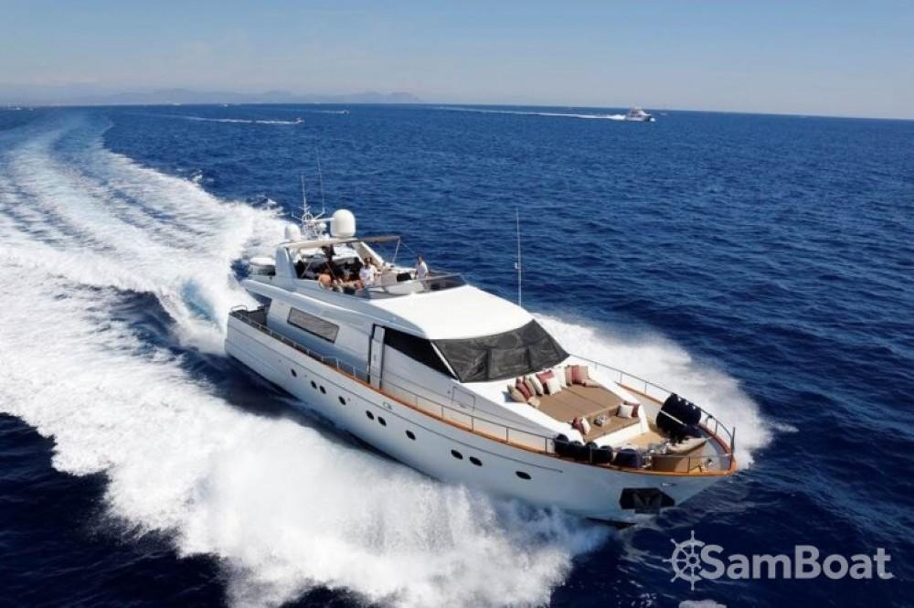 Yacht a noleggio Antibes al miglior prezzo