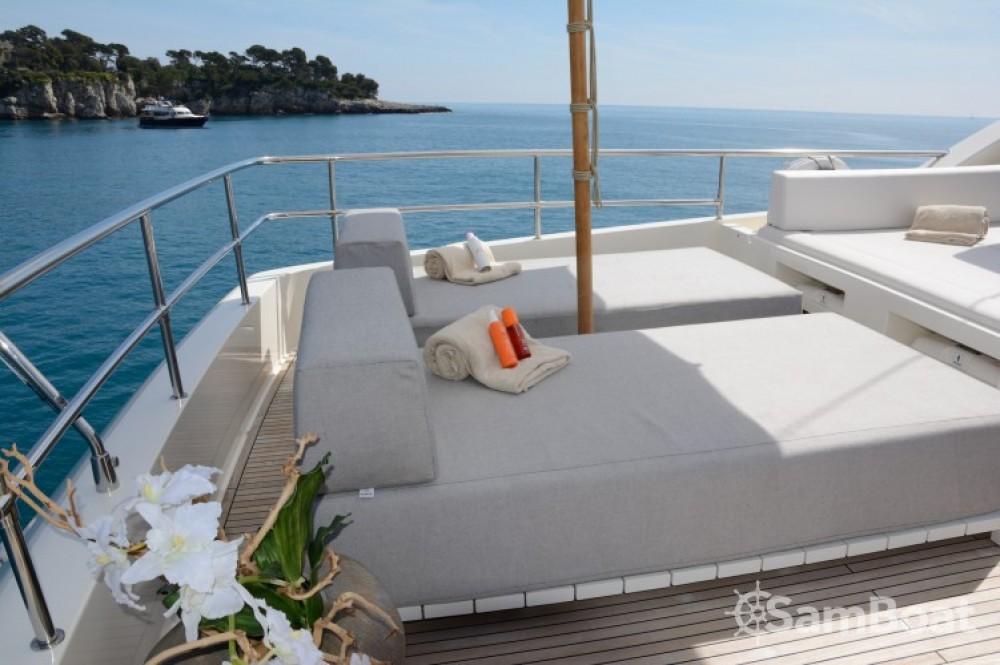 "Noleggiare un'Ferretti 24.71 metres (81' 1"") Cannes"