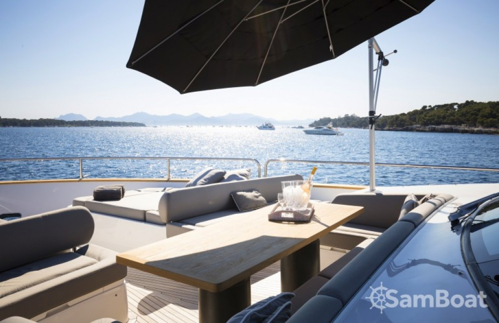 Noleggio Yacht Sunseeker con una patente