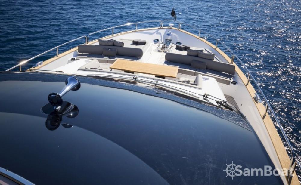 Yacht a noleggio Saint-Tropez al miglior prezzo